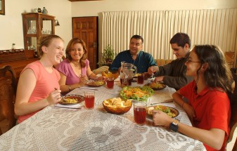Stay with a Spanish host family, Learn Spanish in Spain with accommodation provided, Spanish host families,Spanish courses with accommodation included,